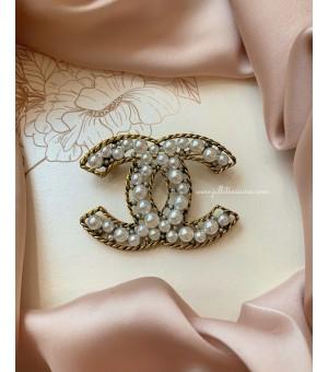 Брошка Chanel 16