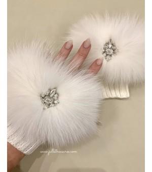 Плетени къси ръкавици с естествен косъм в бяло