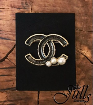 Брошка Chanel 11