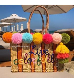 Плажна чанта с цветни помпони