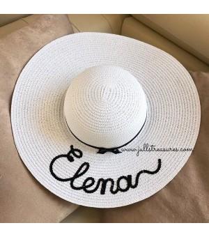 Луксозна бяла шапка с панделка и надпис по ваше желание